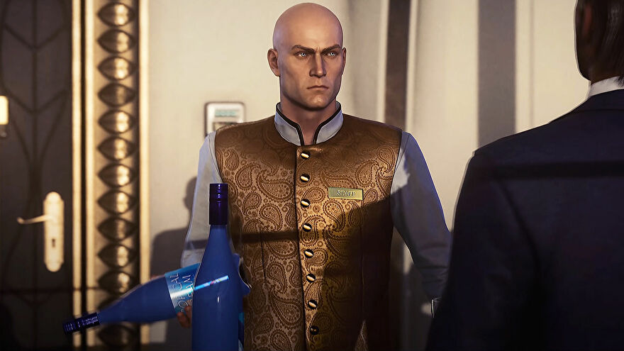 Agent 47 from Hitman disguised as a waiter, in a blue shirt and golden waistcoat