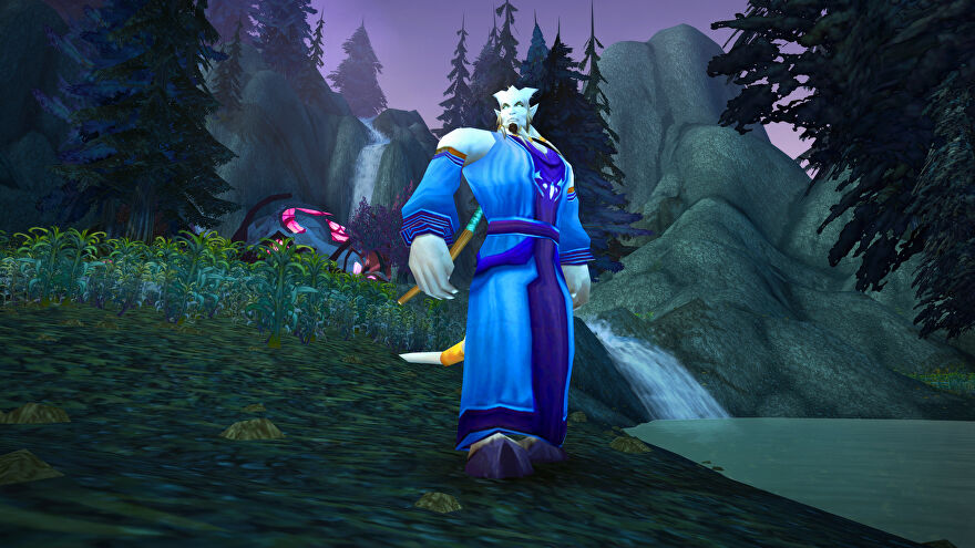 World Of Warcraft Burning Crusade Classic - A Draenei character wearing a blue robe