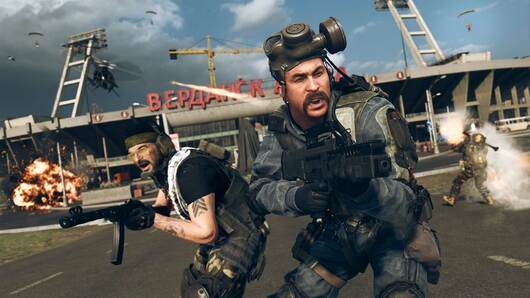A squad pose for a Call of Duty: Warzone screenshot.