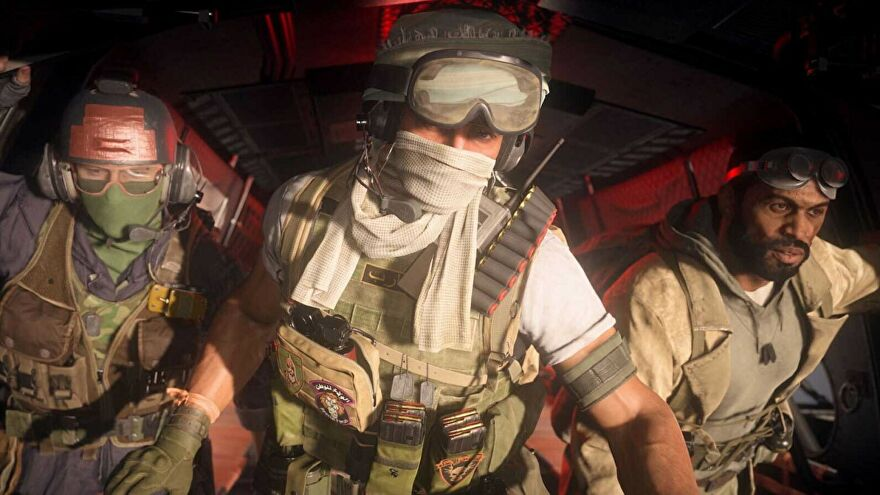 Three players about to parachute from a helicopter and into Warzone Season 4.