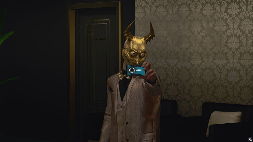 47 poses in the mirror wearing The Devil's Own suit during the Asmodeus Waltz mission.