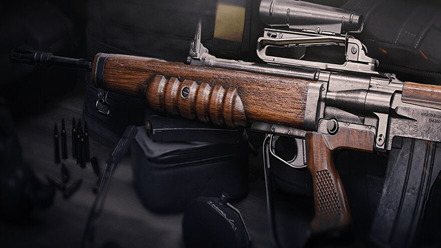 The EM2 rifle in Warzone