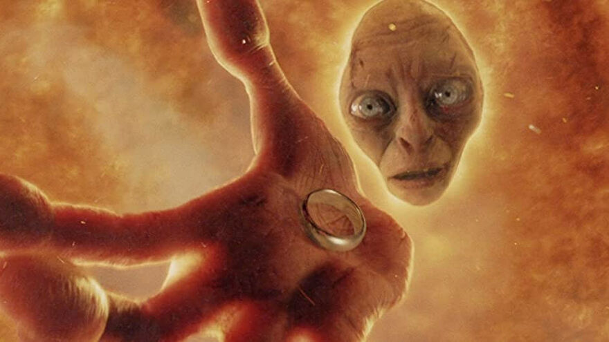 Gollum sinks into lava holding the ring in The Lord of the Rings: Return of the King.