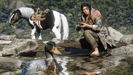 Red Dead Redemption 2 Online - A naturalist player crouches near the water holding a camera with a duck in the foreground while their horse waits in the background.