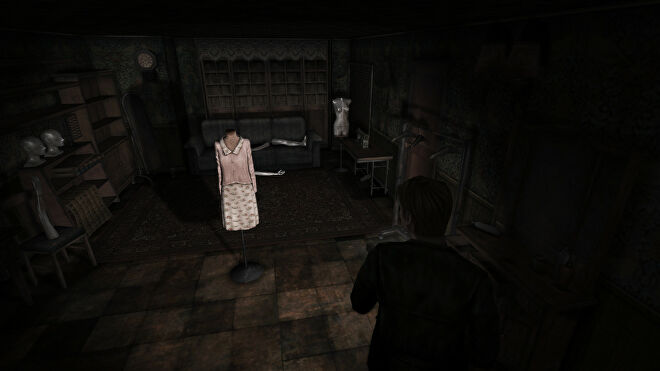 A spooky room with mannequins in a Silent Hill 2: Enhanced Edition mod screenshot.