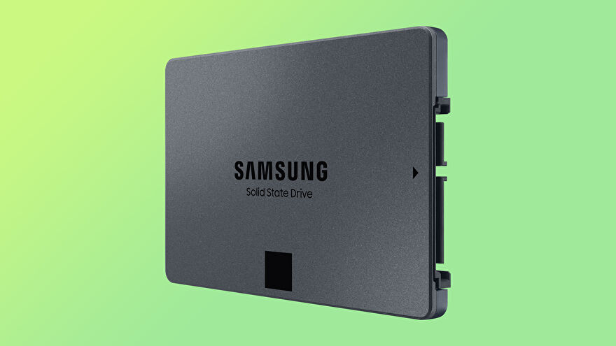 a photo of the samsung 870 qvo 4tb sata ssd on a green background