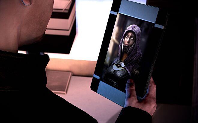 The new framed picture of unmasked Tali in the Mass Effect 3 remaster.