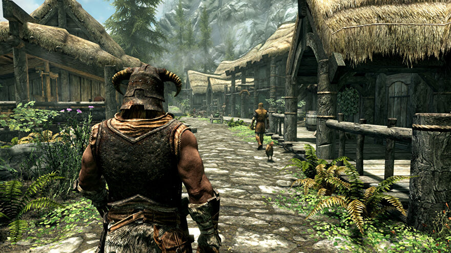 Strolling through town in a Skyrim: Special Edition screenshot.