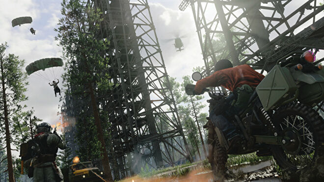Dirt bikes and parachutes near the Verdansk Array in Call of Duty: Warzone