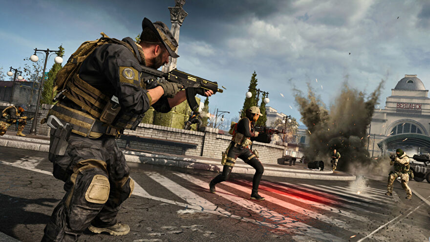 A gunfight breaks out near Train Station in Call Of Duty: Warzone.